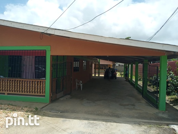 Two houses with three bedrooms each, Brazil Village-2