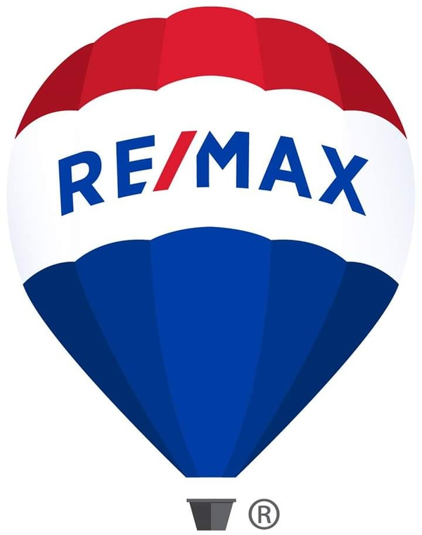 Corey Lovell Remax Real Estate Group