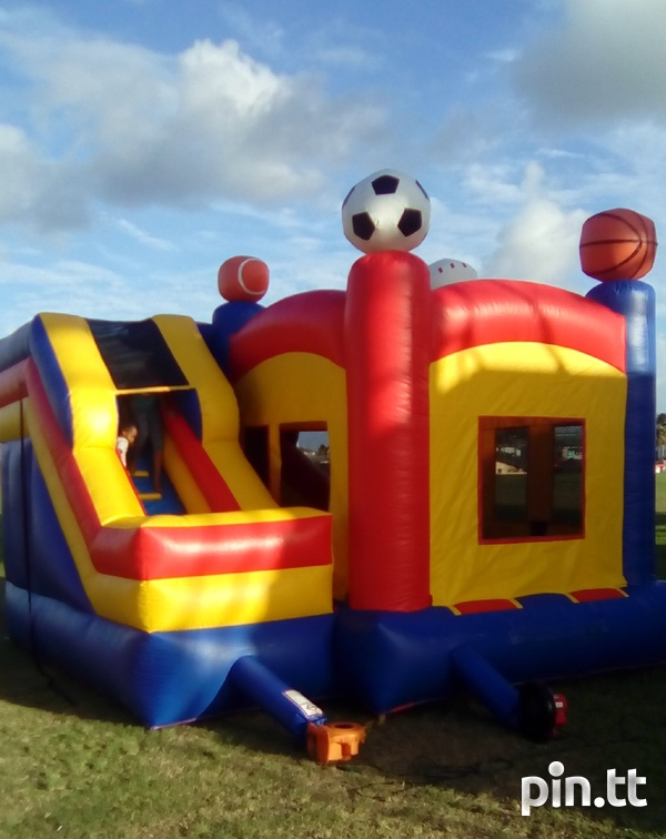 Sport themed bounce and slide bounce house-4