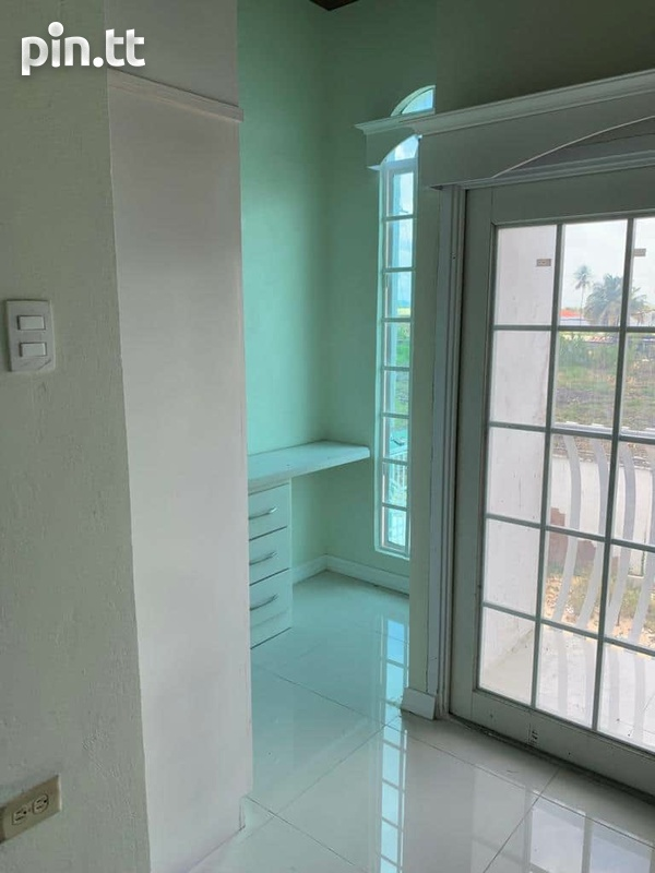 2 BEDROOM PIARCO TOWNHOUSE-5
