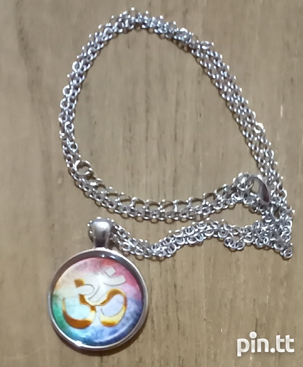 Glass Dome Hindu Sign Pendant and chain-7