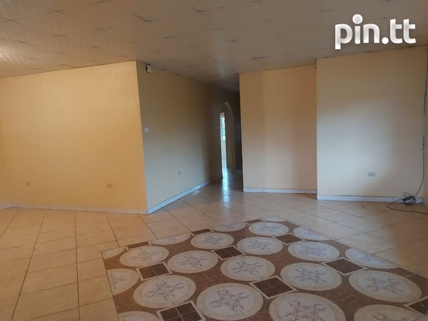 3 Bedroom Apt Next to Cheif Brand, Charliville-8