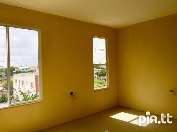 Brand New Spacious 3 Bedroom Townhouse-5