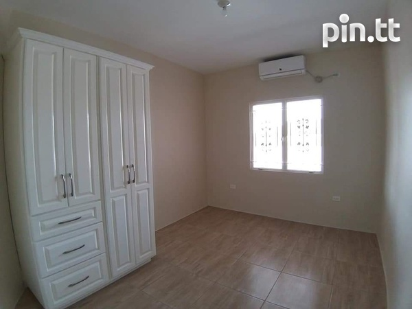 Highbury Park 3 bedroom 2 bath house-8