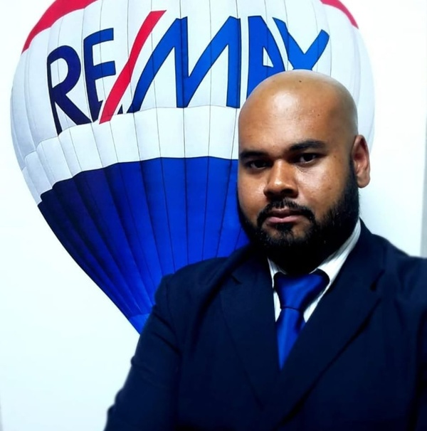Rodney Gonzalez REMAX Real Estate Group