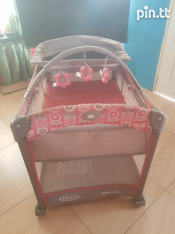 graco playard with changing station-5