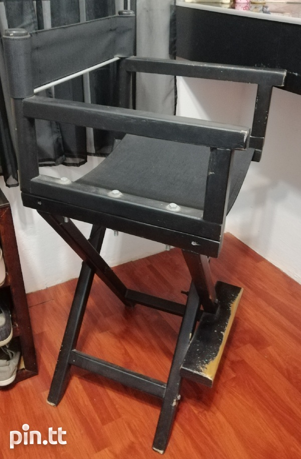 Used makeup chair needs painting over-1