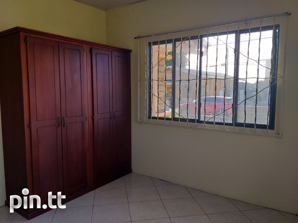 Vessiny Upstairs Apartment-7