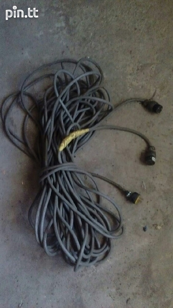 100 Foot Extension Cord-1