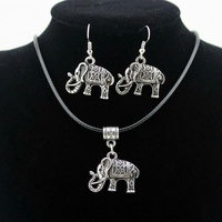 Necklace w. Elephant Pendant and Earring Set.