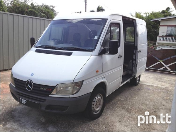 2002 Mercedes Benz Sprinter van-7