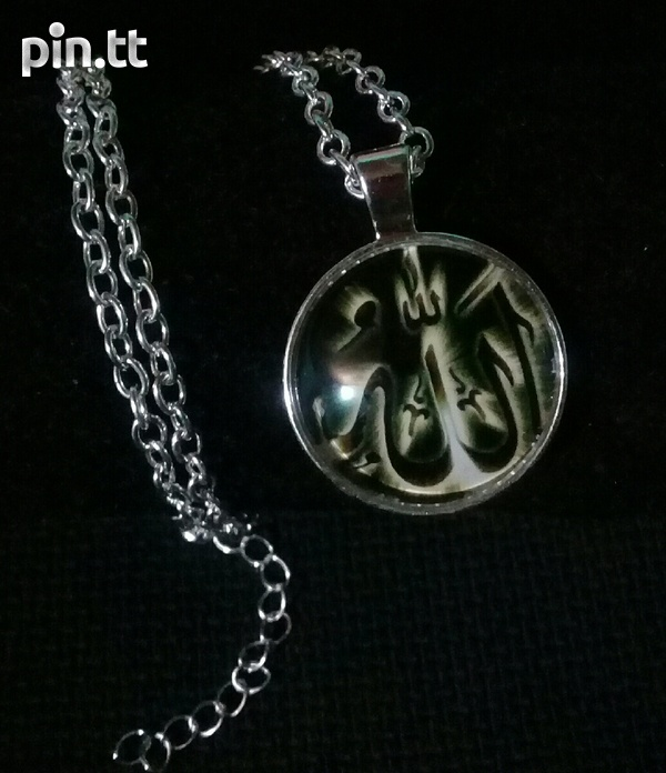 Silver plated necklace with glass dome pendant-3