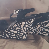 NEW WEDGE SHOES SIZE 6 IDEAL GIFT