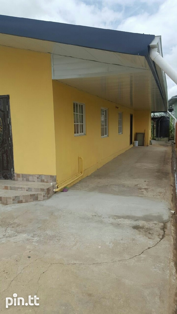 Chaguanas house..Great location.-1