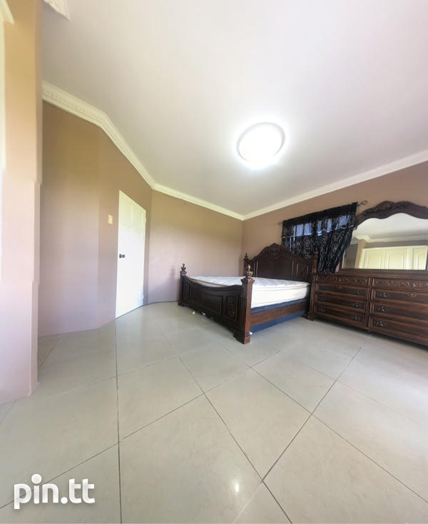 Arima Townhouse with 3 Bedrooms-2