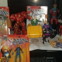 Various Marvel and Dc action figures