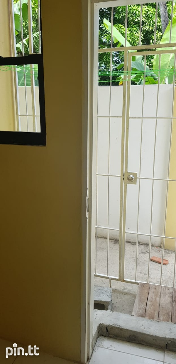 Unfurnished two bedroom apartment-4
