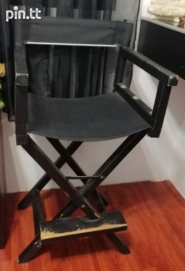 Used makeup chair needs painting over-2