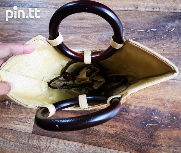 Woven Purse with Wooden Handle-2