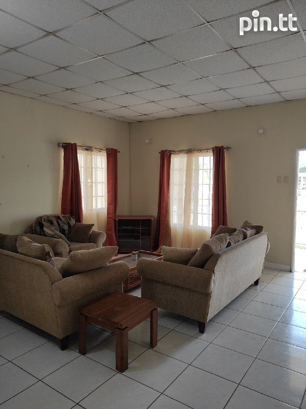 Dinsely Courts, Safe Community House with 3 Bedrooms-3