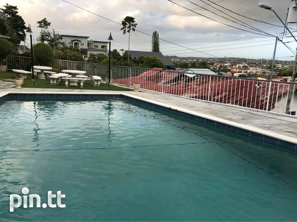 Vistapark Townhouse with 3 Bedrooms-6