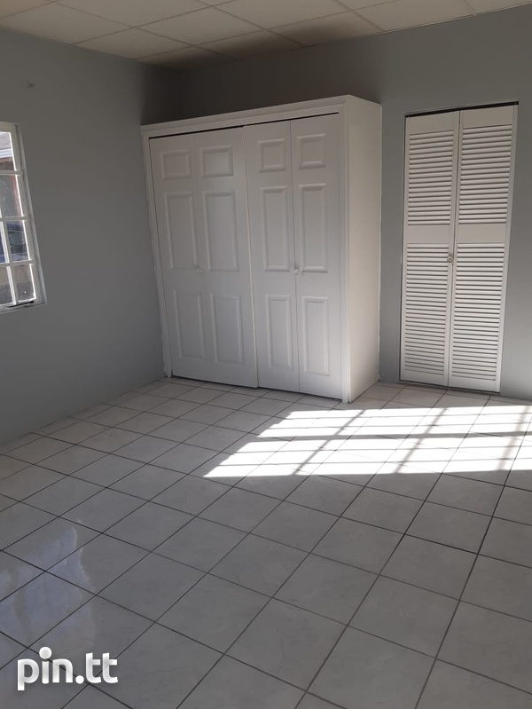 Chase Village House with 3 Bedrooms 3 Baths-5