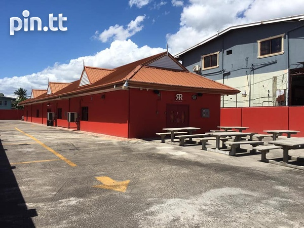 CURUPE COMMERCIAL SPACE AVAILABLE - IDEAL FOR FOOD OUTLET-4