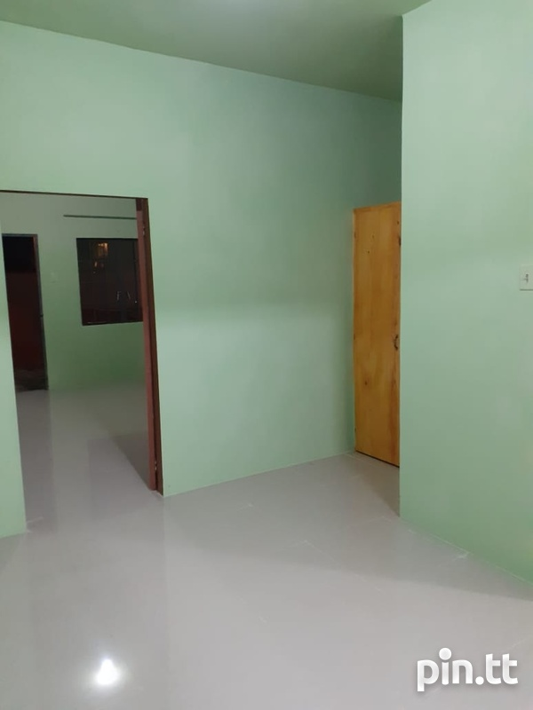1 Bedroom Apartment Located Madras Road St Helena Piarco.-4