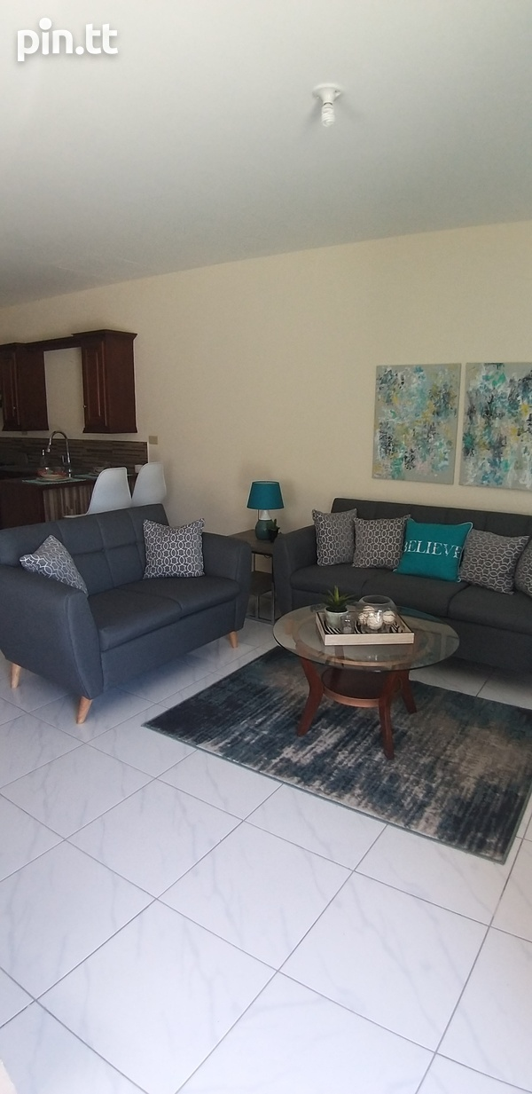 End Unit Townhouse with 3 Bedrooms-2