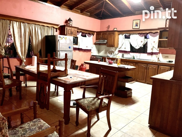 Penal - Semi Furnished 3 Bedroom Apartment-1