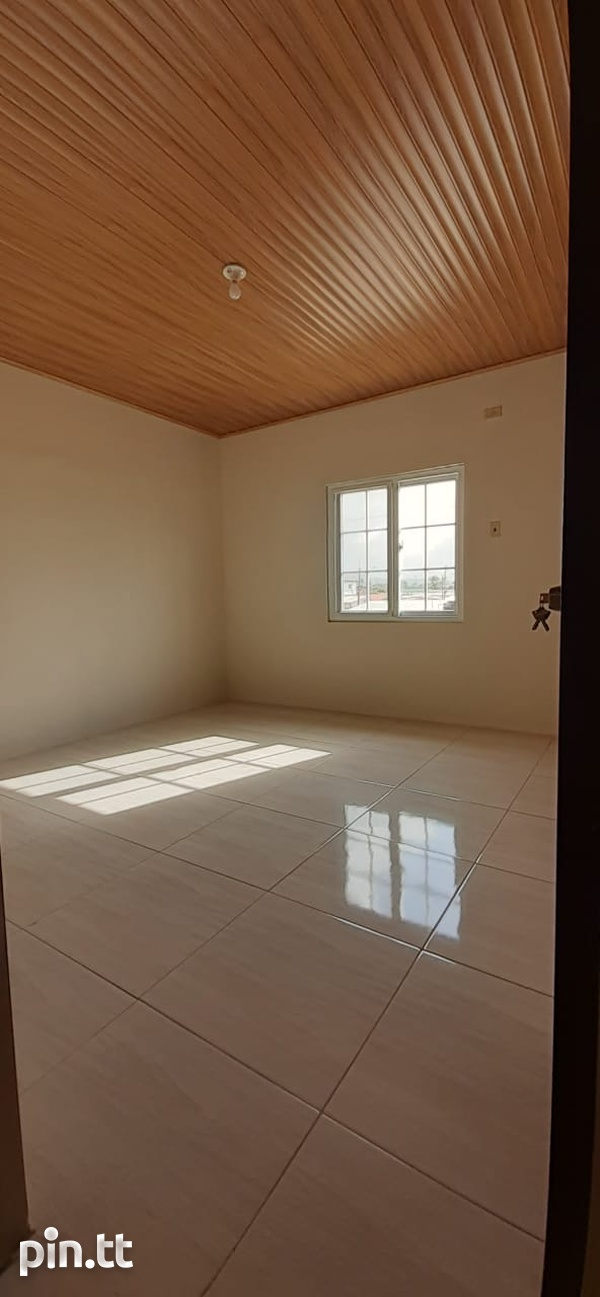 TRINCITY 2 BEDROOM APARTMENT-5
