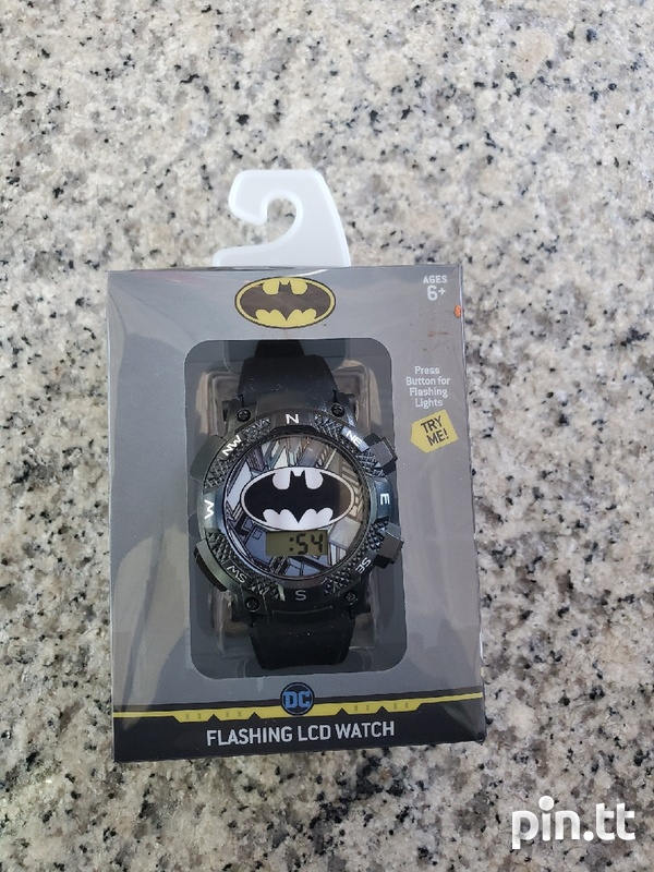 WATCH WITH FLASHING LED LIGHTS-1
