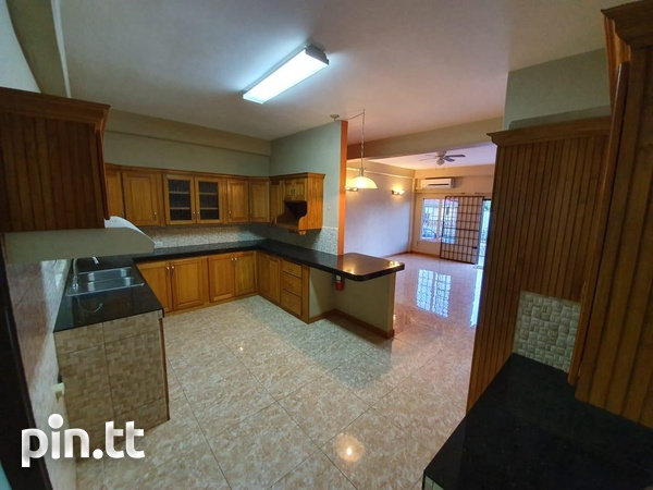 Beautiful 2 Bedroom Townhouse in St. Helena-3