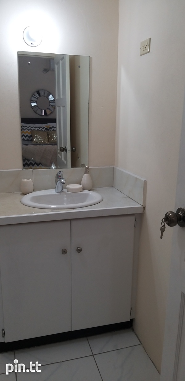 End Unit Townhouse with 3 Bedrooms-5