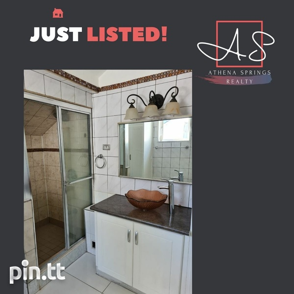 Petit Valley Townhouse with 3 Bedrooms-5