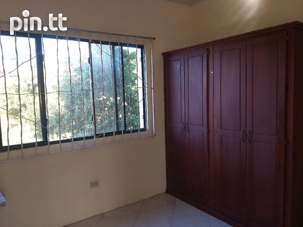 Vessiny Upstairs Apartment-6