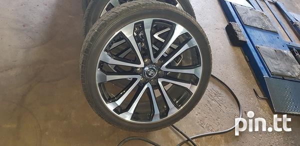4x4 Rims and tyres - 24's