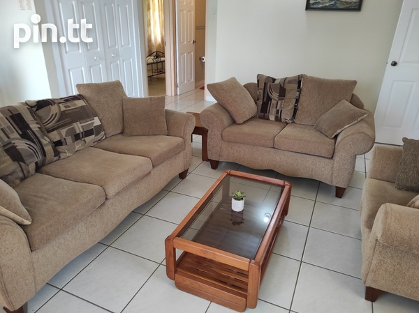 Dinsely Courts, Safe Community House with 3 Bedrooms-4