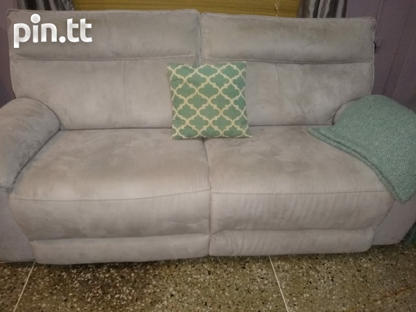 Reclining Couch-Almost new.-2