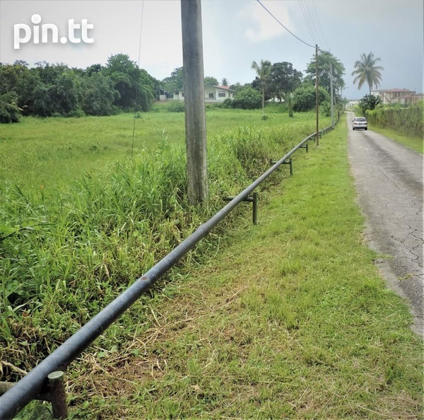 4 BEDROOM HOUSE ON 2 AND A HALF ACRES LAND ALL APPROVALS POINT FORTIN-5