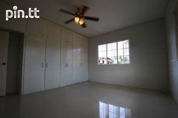 3 Bedroom Upstairs Apartment-4