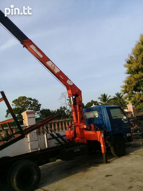 Madza 4 ton wrecker with crane and bucket attachment-4