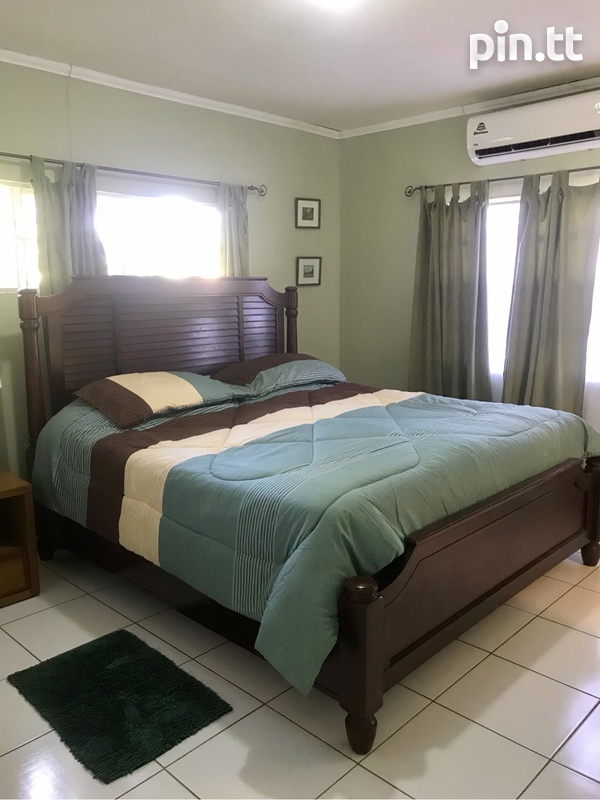 Gulfview Flat House with 3 Bedrooms-4