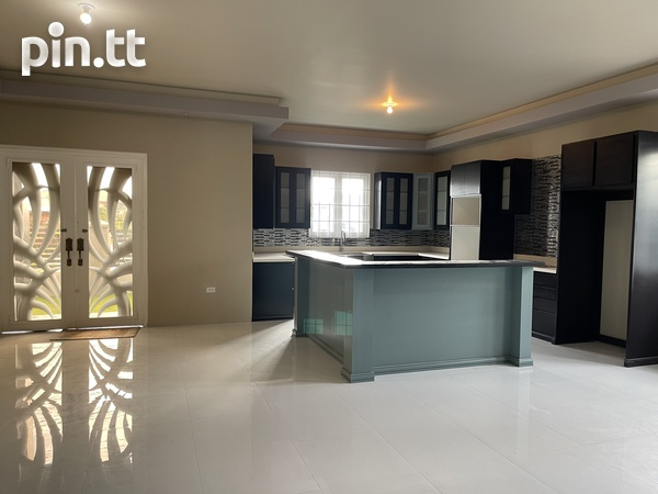 BEAUTIFUL HOME WITH 3 BEDROOMS LANGE PARK-6