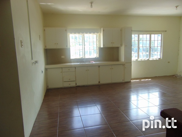 CASCADE UNFURNISHED 2 BEDROOM APARTMENT-4