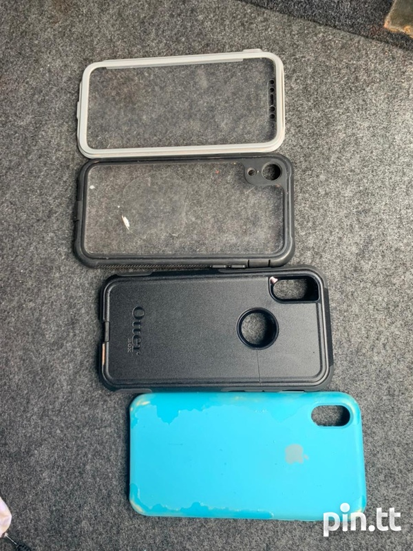 iPhone Xr and Apple Watch Series 2-5