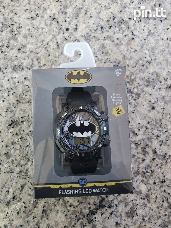 WATCH WITH FLASHING LED LIGHTS-2