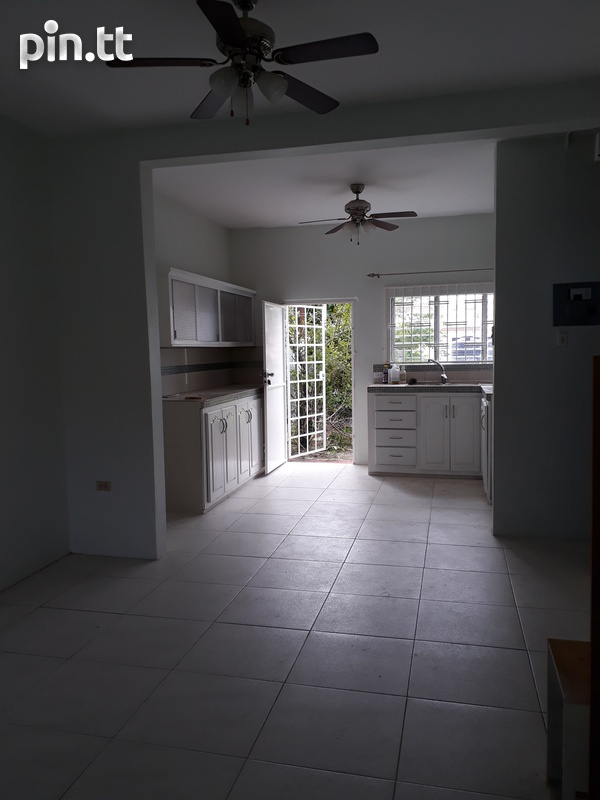 Pine Ridge Heights townhouse with 3 bedrooms-2