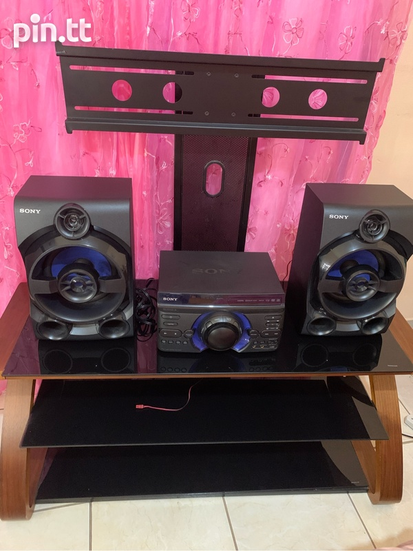 Tv Stand And Stereo