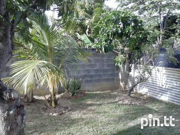 Lange Park Home with 3 Bedrooms-2